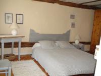 Chambre RC avec grand lit